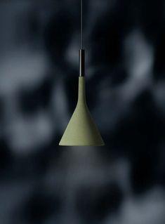 -VENTE 15% JUSQU'AU 31 MAY SUR LA COLLECTION EXTERIEUR @FOSCARINI!- Aplomb est un assemblage de contrastes: la tactilité robuste du ciment est équilibrée par une forme épurée et élégante. Aplomb ajoute une texture sophistiquée et une lumière concentrée aux espaces extérieurs. Visitez notre site web pour plus de détails.