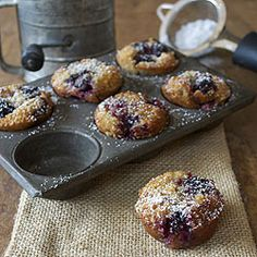 <3 Blackberry Financier - a lovely French pastry filled with fresh, juicy blackberries.