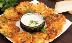 Πανεύκολες τηγανίτες πατάτας με τυρί (Video)