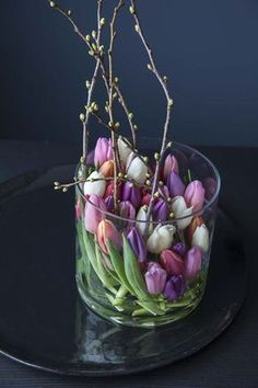Enjoy winter& most beautiful flowers- Nyt vinterens vakreste blomster Tulips + arranged + in + one + new + and + exciting + way. Tulpen Arrangements, Floral Arrangements, Most Beautiful Flowers, Pretty Flowers, Purple Flowers, Deco Floral, Floral Design, Window Box Flowers, Deco Table
