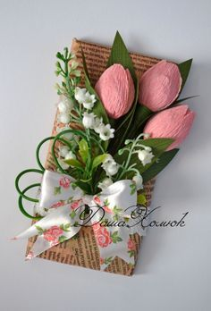 Can use my cane rack for this arrangement Candy Flowers, Paper Flowers Diy, Handmade Flowers, Flower Cards, Candy Crafts, Paper Crafts, Craft Gifts, Diy Gifts, Wrapping Gift