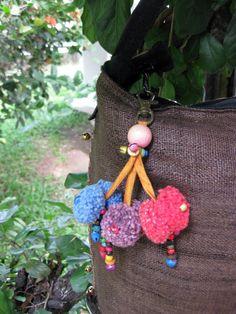 Cute Pom Pom Bag Accessory! #ethniclanna Decorative Accessories, Fashion Accessories, Key Chain, Crochet Necklace, Decoration, Cute, Handmade, Diy, Bags