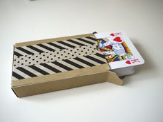DIY playing card favours - finished box