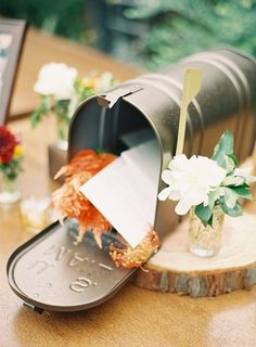 Mailbox for wedding cards Wedding Mailbox, Card Box Wedding, Wedding Centerpieces, Wedding Decorations, Wedding Ideas, Centerpiece Ideas, Vintage Mailbox, Wedding Pinterest, Rustic Wedding