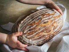 Pšenično-ražný kváskový chlieb - Zo srdca do hrnca Pork, Food And Drink, Bread, Recipies, Kale Stir Fry, Brot, Baking, Breads, Pork Chops