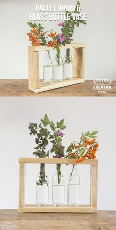 How to make a quick and cheap pallet wood and glass bottle vase. Plants In Bottles, Small Glass Bottles, Recycled Glass Bottles, Glass Bottle Crafts, Diy Bottle, Bottle Vase, Wood Pallets, Pallet Wood, Small Wooden Desk