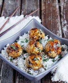 Receta de Albóndigas de cerdo en salsa teriyaki. Receta con fotografías del paso a paso y recomendaciones de degustación. Recetas de carne de ce...