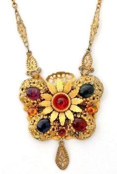 Art Nouveau Lavalier Pendant Necklace with Rhinestones