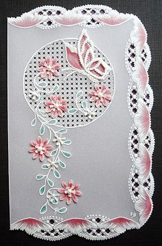 Suzanne's creatieve allegaartje - beautiful detailed Pergamano vellum card