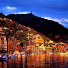 Bergen, uma das mais belas cidades norueguesas. Quem quer visitar? #Noruega #IssoéNoruega