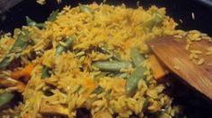 Ryż smażony po kantońsku - Poezja smaku Fried Rice, Fries, Ethnic Recipes, Food, Essen, Meals, Nasi Goreng, Yemek, Stir Fry Rice