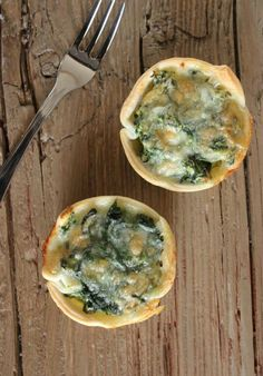 Ricotta Spinach Tarts are an fast, easy and delectable Italian appetizer. Perfect for any get-together / anitalianinmykitchen.com