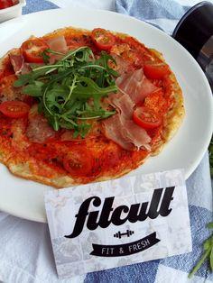 Perfektní pizza z tvarohového těsta s množstvím bílkovin a tuky skoro na nule (Recept)