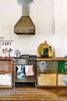 Renovating and living in an industrial look - the best for beautiful furniture, shine . - Renovating and living in an industrial look – the best for beautiful furniture, lights and access - Industrial Kitchen Design, Boho Kitchen, Rustic Kitchen, New Kitchen, Kitchen Decor, Industrial Style, Industrial Kitchens, Kitchen Styling, Vintage Industrial