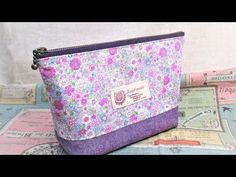 Diy Pouch No Zipper, Zipper Bags, Pencil Case Tutorial, Hand Embroidery Videos, Pouch Pattern, Handmade Handbags, Patchwork Bags, Knitted Bags, Pouch Bag