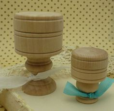 2 ready to decorate  round wood boxes on pedistals by bisbeebliss, $5.25