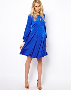 Maternity style, Chiffon dresses and Windsor FC on Pinterest