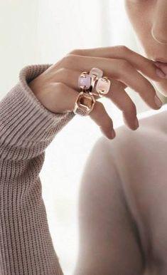 Jewelry Box, Jewelry Accessories, Fashion Accessories, Jewellery, Gems Jewelry, Color Mauve, Blush Rose, Mode Inspiration, Look Fashion