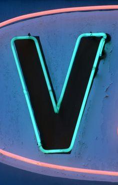 (2011-10) V