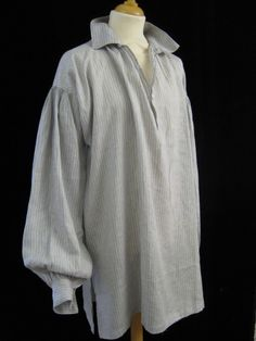 Square cut linen C18th period shirt