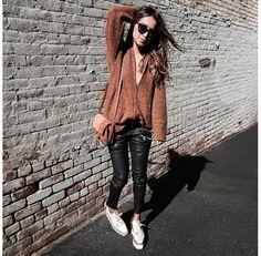 pantalon cuir et chaussures plateforme