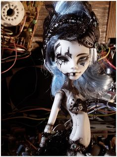 Sparks, a Monster High Ghoulia Yelps repaint