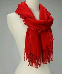 Super how to wear pashminas scarf ideas how to tie scarves 31 ideas Ways To Tie Scarves, Ways To Wear A Scarf, Red Scarves, How To Wear Scarves, Cotton Scarves, Fashion Scarves, Look Fashion, Autumn Fashion, Fashion Tips