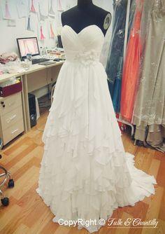 How to made a strapless ruffled chiffon beach wedding dress #tulleandchantilly