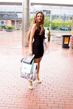 OOTD: Rainy Black - Fashionista Anna-Radha GhirawAnna Radha
