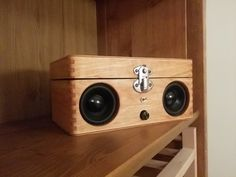 Portable speaker from old wooden box - Album on Imgur