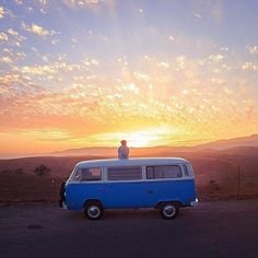 Cet après-midi je me suis amusé à faire des recherches sur les plus belles Westfalia et autres vans pour faire un road trip. En écoutant l'album de Little Joy ainsi que celui de Alela Diane (The Pirate's Gospel), j'ai passé quelques heures pour trouver de splendides photos qui donnent le goût de partir en voyage. Je …