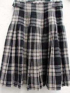 Vintage kilt   Tartan plaid check   Wool   Black and white   Scotch House / Scotland