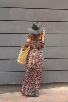 ADAMARINA, flores, Flower Print, look de verano 13, multiopticas, MY SHOWROOM, Priscila Betancort, sandalias balenciaga, sombrero negro, teenvogue, tendencias invierno 2014, trend alert, vestido largo,
