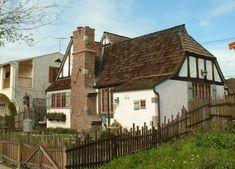 Pyke House, a Tudor/Storybook cottage :: pic 2 of 4