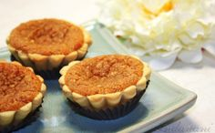 Mini sweet potato pies for a fall baby shower!
