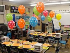 Oh my goodness!  I want to do balloons for meet the teacher!! They can take it home!  So cute :)