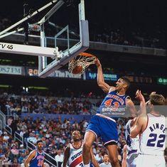 Brad Daugherty Imagens e fotografias - Getty Images Pro Basketball, Basketball Pictures, Brad Daugherty, Eastern Conference Finals, Nba Draft, Nba Stars, Sports Images, Boston Celtics, Nba Players