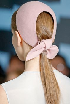 TOTALLY jonesing for one of Delpozo's knot headpieces...