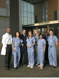 Photo of season 1 for fans of Grey's Anatomy. Greys Anatomy Season 4, Greys Anatomy Cast, Grey's Anatomy Wallpaper Iphone, Greys Anatomy Characters, Abc Tv Shows, Grey Anatomy Quotes, Grey Wallpaper, Movies Showing, Season 1