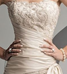 This is so gorgeous.  #wedding dress