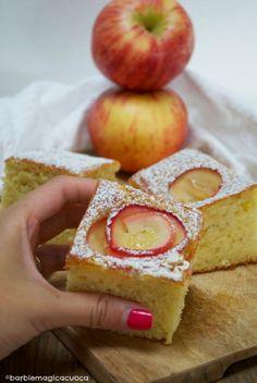 Torta di mele e yogurt con rose di mele