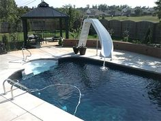 pool with delta liner