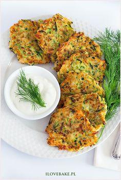 placki z cukinii Health Dinner, Kitchen Time, Tandoori Chicken, Dinner Recipes, Veggies, Gluten, Ethnic Recipes, Diet, Finger Food