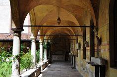 Ancien cloître, Museo Civico, Bassano del Grappa, province de Vicence, Vénétie, Italie.