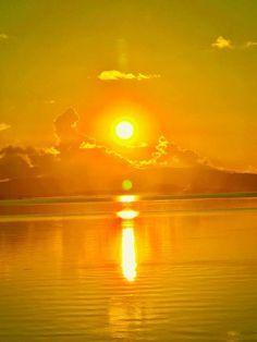 Beautiful Nature Pictures, Beautiful Moments, Amazing Nature, Yellow Aesthetic Pastel, Gold Aesthetic, Nature Photography Tips, Ocean Photography, Tantra Art, Sun Worship