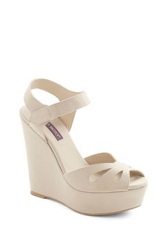 Punch Bowl Planner Wedge in Cream, #ModCloth