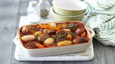 Wonderfully comforting Meatball, Tomato and Potato Casserole Minced Beef Recipes, Mince Recipes, Meatball Casserole, Potato Casserole, Crock Pot Cooking, Soups And Stews, Soul Food, Family Meals, Potatoes