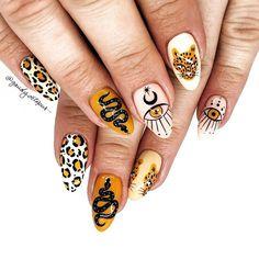 Nail Design Stiletto, Nail Design Glitter, Halloween Acrylic Nails, Cute Acrylic Nails, Evil Eye Nails, Hippie Nails, Witchy Nails, Mermaid Nails, Fire Nails