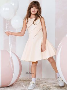 Monnalisa Couture Collection is an exclusive selection of special occasion dresses which would be perfect for high-class events.