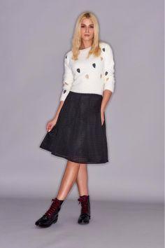 Μαύρα λουστρίνι αρβυλάκια #MarcoFerretti με τέλειο glam update από deep red βελούδινα κορδόνια! Fall Winter, Autumn, Every Woman, Bootie Boots, Midi Skirt, Booty, Casual, Skirts, Women